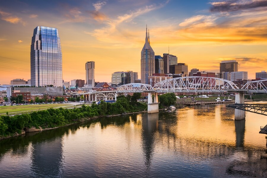 Tennessee Sick Leave & Minimum Wage Laws: Overview for Managers